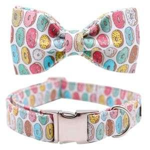 collar perro y pajarita diseño donuts